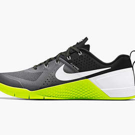 Nike - Metcon 1 Cross Training Sneaker
