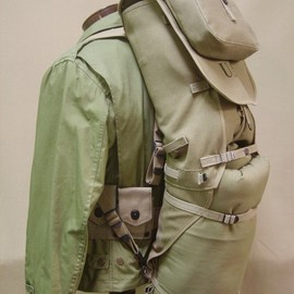 US ARMY - Full Army M-1928 Haversack with pack carrier attached.