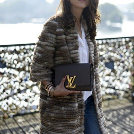 LOUIS VUITTON - bag.