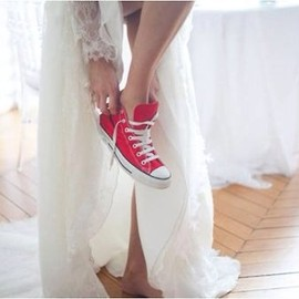 CONVERSE - dress&red converse