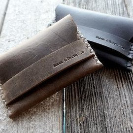 STOCK & BARREL - Rugged Brown Leather Card Holder