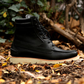 Sebago - King's Point Boot - Black w/ Natural Vibram Sole