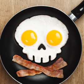 Fred & Friends - Funny Side Skull Egg Mould- Fred