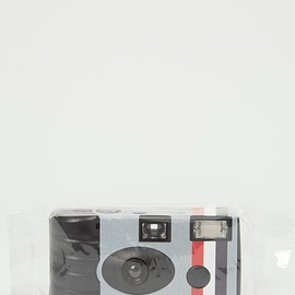 THOM BROWN - THOM BROWNE FOR COLETTE: Disposable Camera