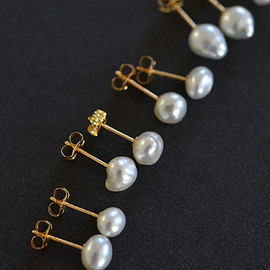 SOURCE - Medium Keshi Pearl Post Earrings