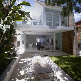 Kerr House by Tony Owen Architects