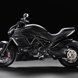 DUCATI - DIAVEL CARBON