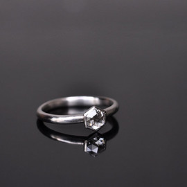 SOURCE - ENGAGEMENT RING (PLATINUM)