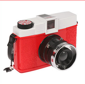 "Lomography - The ""Meg"" Limited Edition Diana+ & Ringflash"
