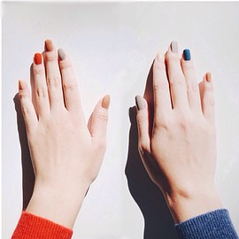 red/blue nail