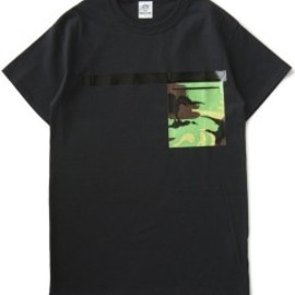 TOGA ODDS&ENDS - Rubber Pocket Tee (black)