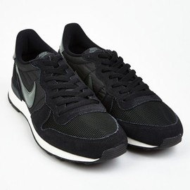 Nike - Men's Black Internationalist Sneakers