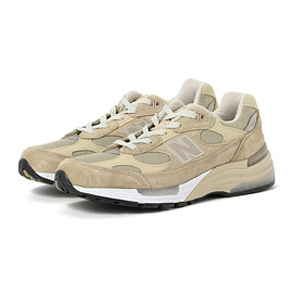 New Balance - M992 OUTLINE