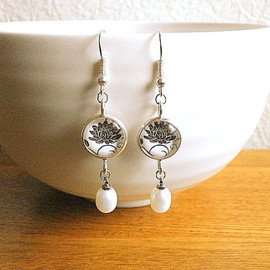 souzoucreations - Flower Earrings Paper Lotus Flowers Silver and Pearls