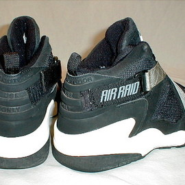 NIKE - Air Raid (Black & Grey)