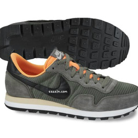 Nike - Pegus '83 - Olive/Black/Orange