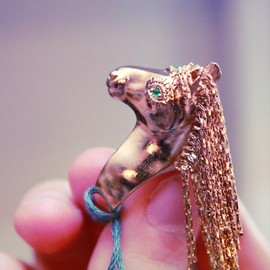Stretsis - unicorn ring from sretsis