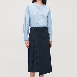 COS - BELTED WRAP SKIRT - Deep navy - Skirts
