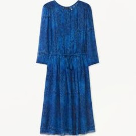 Pleats please! This python print is almost too good to be true.  @aritzia bought in green :)