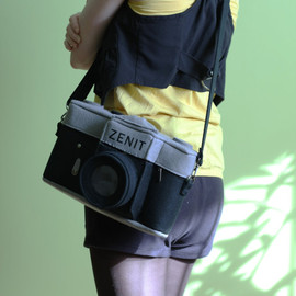 krukrustudio - Vintage Zenit Camera Felt Bag