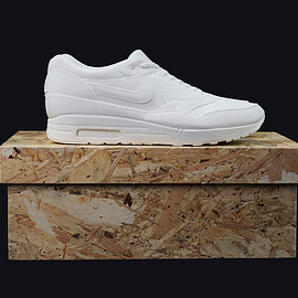 Dominic Goldman - AIR MAX 1 CONCRETE