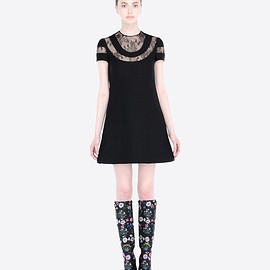 VALENTINO - Pre-Fall 2015 Crepe couture dress with lace