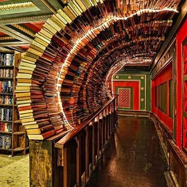 Los Angeles - Book Portals, The Last Bookstore