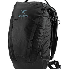 Arc'teryx - Spear 20 RollTop™ opening daypack