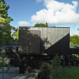 Hamish Monk Architecture - Waiatarua House, Auckland, New Zealand