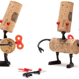reddish studio - DIY cork stopper robots