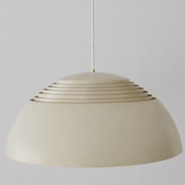 Louis Poulsen - AJ Royal by Arne Jacobsen