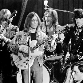 Eric Clapton, John Lennon, Mitch Mitchell and Keith Richards - Celebration Of Friendship: Rock and Roll Circus 1968