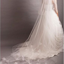 Custom-Made Ivory Tulle One-tier Wedding Veil With Lace Flowers