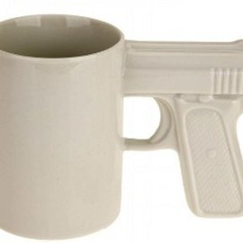 urban outfitters - The Gun mug