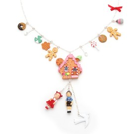 N2 - Gingerbread house and candie charms