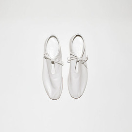 WHITE MULLER SLIP-ON
