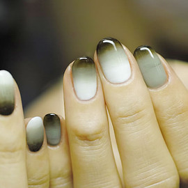 COMMON - double-gradation nail