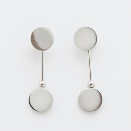iris47 - swing rivet earring
