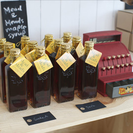 GOOD NEIGHBORS' FINE FOODS - Mead & Mead's Maple Syrup