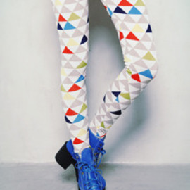 color pyramid leggings