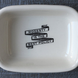 IZOLA - Powder Room Soap Dish