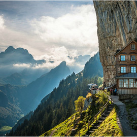 SWITZERLAND - MOUNTAIN GUEST HOUSE