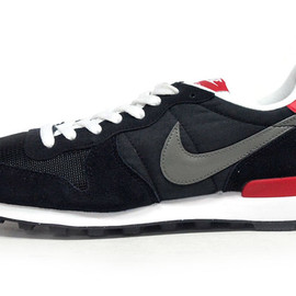 NIKE - INTERNATIONALIST 「LIMITED EDITION for NONFUTURE」