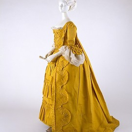 Dress, 1760, British, made of silk, linen and cotton