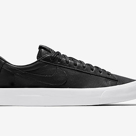 NIKE - Blazer Low Studio QS - Black/Black/White
