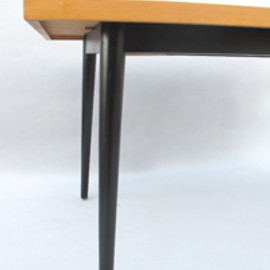Fred Ruf - Dining table