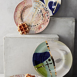 Anthropologie - Gold Accent Dessert Plate