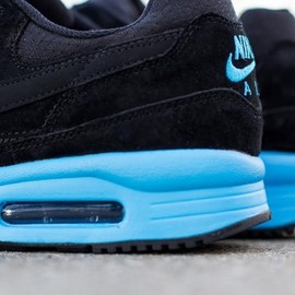 Nike - Air Max Light Premium - Black/Vivid Blue/Anthracite