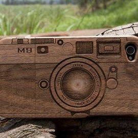 signicase -  Walnut Wood M9 iPhone Case