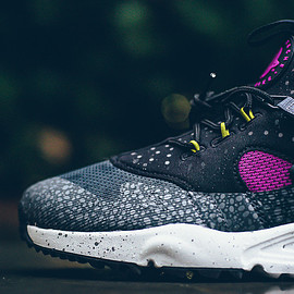 NIKE - Air Huarache Utility Premium Safari - Medium Berry
